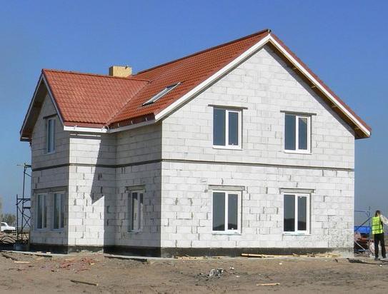 Фото - Преимущества строительства домов газобетонных блоков