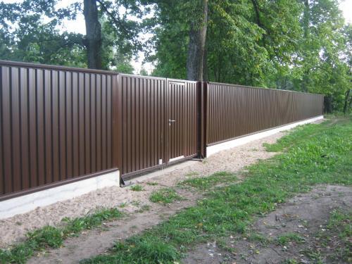 Фото - Забор из профнастила своими руками